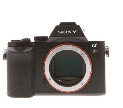 Sony a7r mirrorless reflex alpha 7r 36 megapixel  full frame come nuova