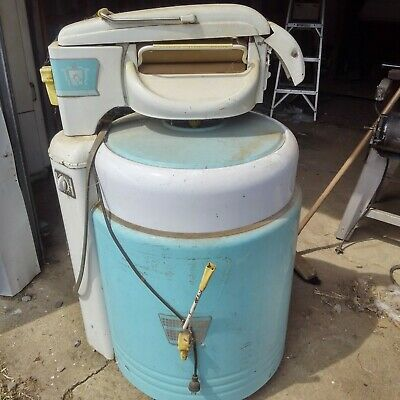 Vintage Mid-Century Lovell Wringer Washer Washing Machine Model 400P