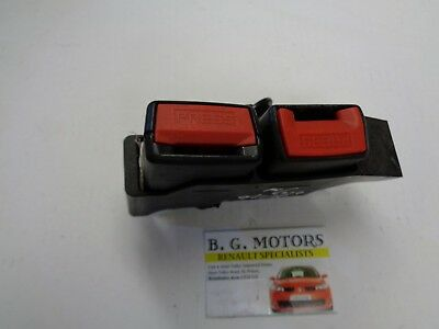 Renault Clio mk 3 2006-2012 Drivers rear [o/s/r] twin seat belt buckle