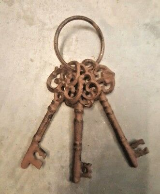 3 Victorian Keys on Keyring Skeleton Church Key rustic brown Cast Iron with ring