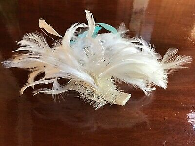 White Turqu. Feather Fascinator Ladies Day Royal Ascot Races Wedding Hair Comb