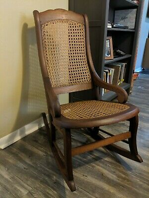 Excellent Antique / Vintage Wooden Rocking Chair
