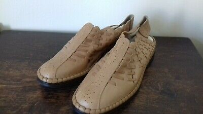 complete comfort brown leather shoes size 6