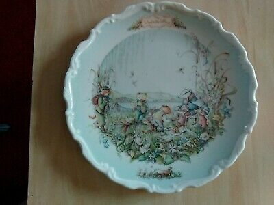 Wind in the Willows Royal Albert collectable ceramic wall plate