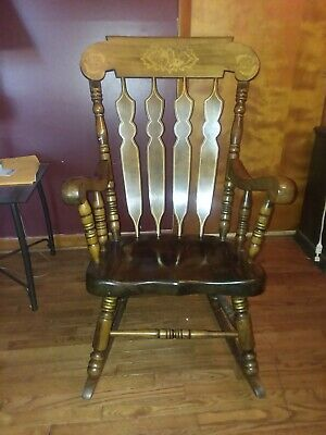 Beautiful Antique / Vintage Golden Brown Wood Rocking Chair Rocker great conditi