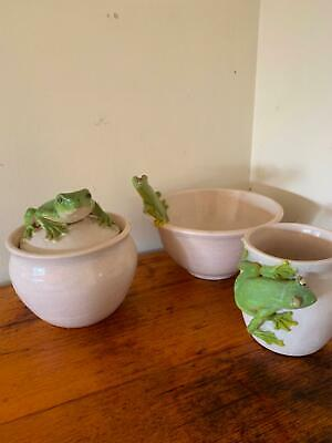 Frog pottery 3 pieces very beautiful