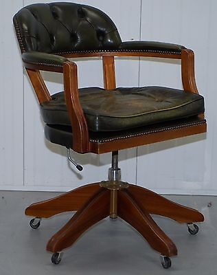 Stunning Cushioned Chesterfield Admirals Court Captains Aged Green Leather Chair