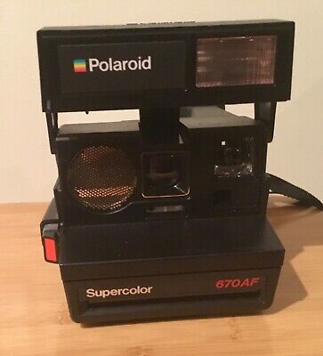 POLAROID SuperColor  SE 670 AF LAND uses Instant Film