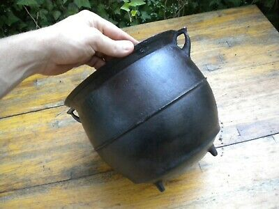 Antique Cast Iron No. 7 Three Leg Ribbed Kettle Bean Pot Cauldron