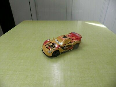 DISNEY PIXAR CARS VOITURE MIGUEL CAMINO FLASH McQUEEN METAL 1/55 BON ETAT !!