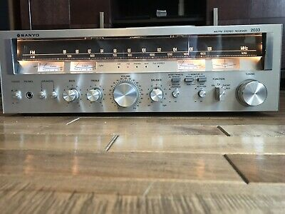 Vintage Sanyo 2033 Stereo Receiver