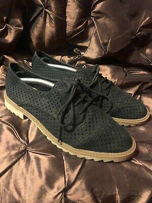 Clarks Somerset Soft Black Perforated Leather Flat Comfy Lace Up Shoes Sz 6.5 D