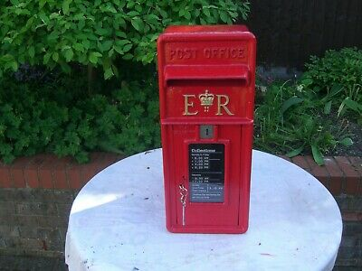 """Royal Mail """"Post Office"""" Genuine 1970 ER cast iron Front GPO Post Box and Stand"""
