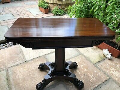 Fine quality William & Mary Folding Rosewood Antique Card Table