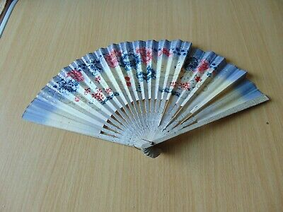 19th CENTURY ANTIQUE FOLDING HAND FAN WOODEN PAINTED
