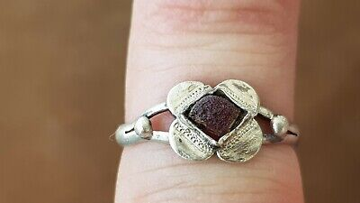 Stunningly beautiful VR Tudor silver 1.45g ring. A must read description. L125v