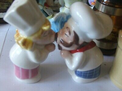 chefs kissing  salt and pepper shakers