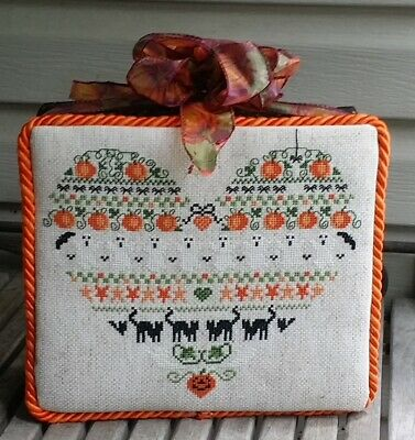 Finished Completed Halloween Cross Stitch stand up SAMPLER Ghosts Pumpkins ++