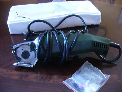 Gently used 110v Electric Rotary cutter with finger guard