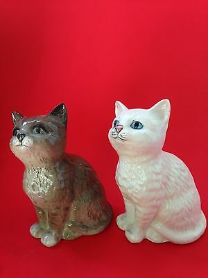 """lot of 2 Beswick -Royal doulton made in England cats gray - white figurines 4 """""""