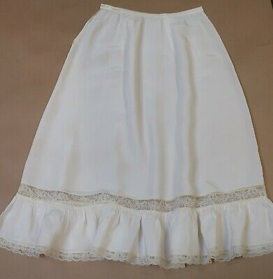 VINTAGE SLINKY HALF SLIP c.1945 WITH MOP BUTTONS