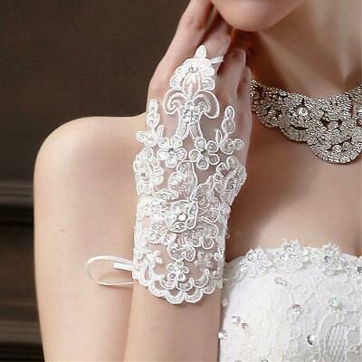 BNIP Lace Wedding diamonte gloves