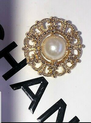 """VINTAGE Style CC Chanel 20 mm .79"""" Gold and Pearl Vintage Style Button BEAUTIFUL"""
