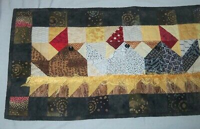 Hand Quilted Table Runner Country Chickens Hens Farm Rooster Nesting Hand Made