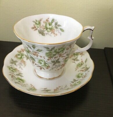 ROYAL ALBERT Bone China England Rose Chintz Series Green Velvet Tea Cup & Saucer