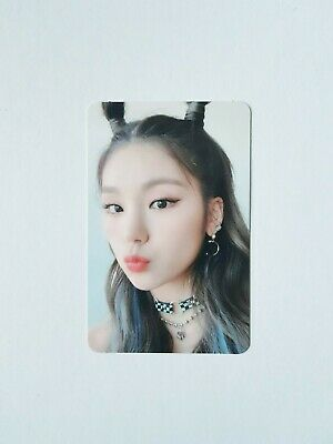 "K-POP ITZY Mini Album ""IT'Z ICY"" Official YEJI Photocard"
