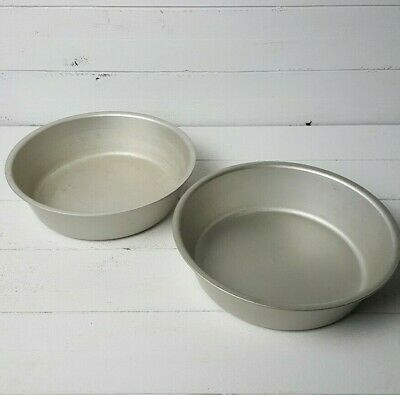 """TWO Vintage Wear-Ever 9"""" Deep Dish Pie/Cake Pan Heavy Duty Aluminum #802Tacuco"""
