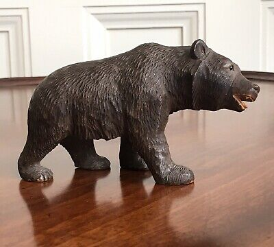 An Antique 19th Century Black Forest Carved Wood Bear. 7cm High.