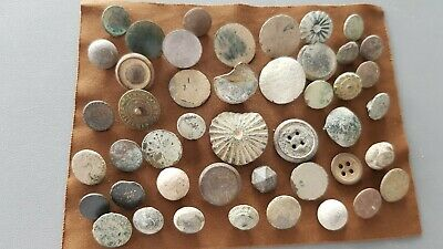 Very rare lot of Medieval to Post Medieval buttons Please read description L150b
