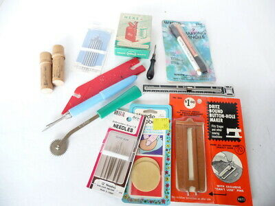 Lot Sewing Gadgets Boye Needle Cases Hexe Needle Threader Singer Button Gauge