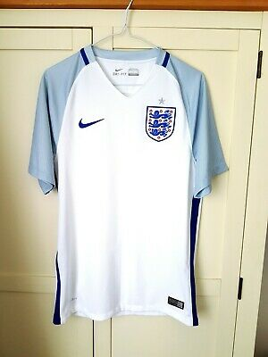 England Home Shirt 2016. Small Adults. Nike. White Short Sleeves Football Top S.