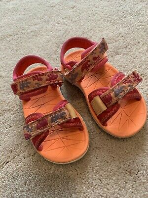 Clarks Girls Surfing Moon Sling Back Sandals in Berry Combi Size Infant UK 5F.