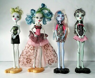 Monster High Dolls Lot of 4 Dolls w/ Clothes Mattel 2008 Ghoulia Frankie