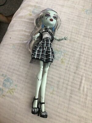 Monster High 2012 Ghoul's Alive! Frankie Stein Doll - Loose  Free Shipping