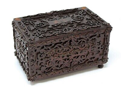 Antique folk art tramp box w/ insert carved and very detailed museum quality