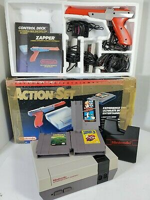 "Nintendo Entertainment System ""Action Set"" NES Console NES-001 1985 Original Box"