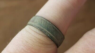 Superb rare Medieval bronze finger ring, wearable. Please read description L150f