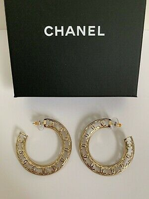 NWT Chanel Classic CC Logo Gold Tone Cut Out Round Hoop Drop Earrings w/ Box