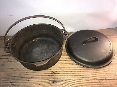 Vintage Cast Iron Dutch Oven Unmarked Number 8 w Self Basting Lid Bail Handle