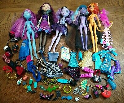 Monster High Doll Lot 5 Dolls w/ Clothes and Accessories