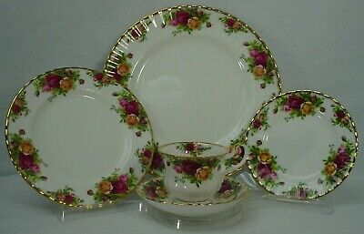 ROYAL ALBERT china OLD COUNTRY ROSES 1962 stamp 5-piece Place Setting