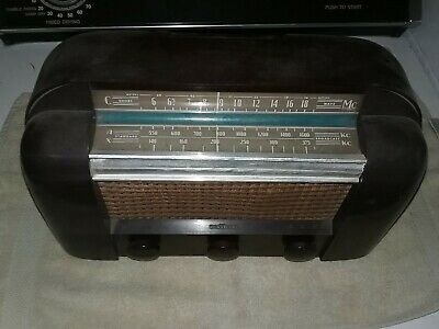 1945 vintage RCA Q103X  3 band AM shortwave table radio, 1940s, tested,working