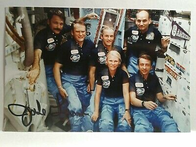 JAKE GARN Authentic Hand Signed Autograph 4X6 Photo  - NASA ASTRONAUT