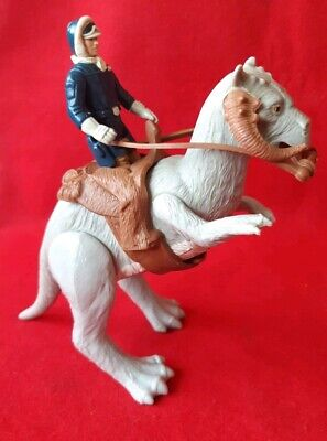 Vintage star wars open belly taun taun complete comes with han solo figure