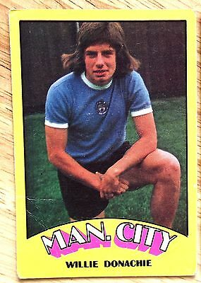 A&Bc Footballers Red Backs No 127 Willie Donachie Manchester City Football Card