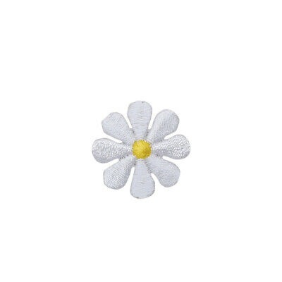 Medium White/Yellow Flower/Daisy Iron On Embroidered/Applique Patch